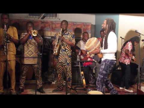 Beautiful Nubia - Live at EniObanke - Ara