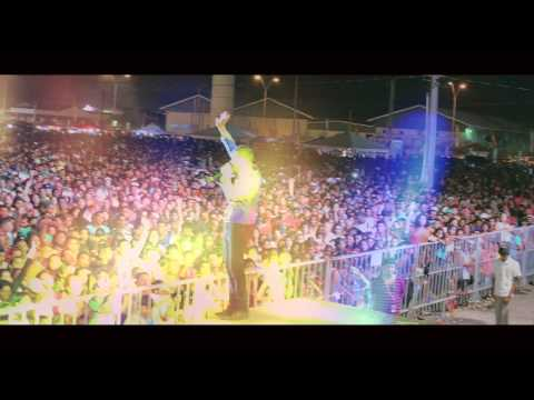 Ravi B Jumps into crowd (Clash of the Titans)