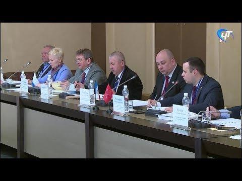В Валдае состоялось заседание Окружной парламентской ассоциации