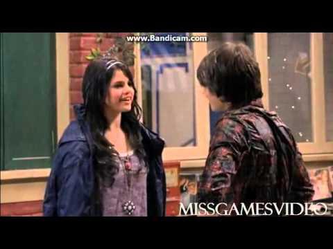 I Maghi di Waverly - Il primo bacio tra Alex e Mason (ITA)