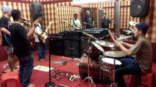 Luka Indonesia cover Superman is dead Monday suck band