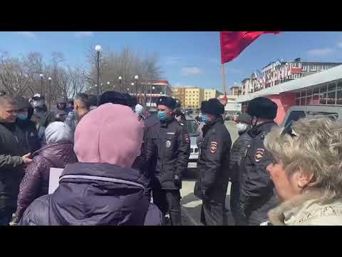 Полицаи на страже порядка (своего порядка )