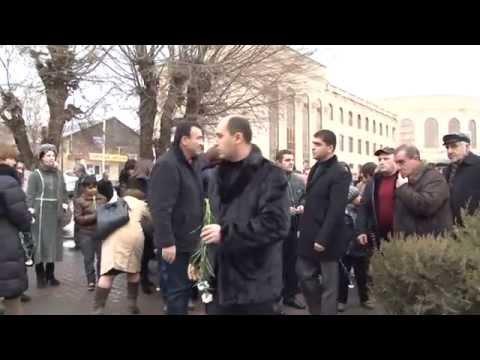 Մարտուն Գրիգորյանը հարգանքի տուրք  մատուցեց երկրաշարժի զոհերի հիշատակին