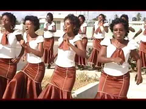 Video Inavuma Kwaya ya mt  Kizito   Makuburi mtunzi  B  Mukasa wmv download in MP3, 3GP, MP4, WEBM, AVI, FLV January 2017