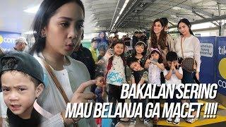 Video NAGITA BELANJA KE  MALL NAIK MRT. SELURUH KELUARGA DIBOYONG MP3, 3GP, MP4, WEBM, AVI, FLV Agustus 2019