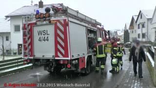 Durch eine Verstopfung eines Kamins kam es am 23.2.2015 in Wiesloch-Baiertal zu einer Verrauchung einer Wohnung, welche dann durch die Einsatzkräfte gelüftet wurde. Bereits bei der Ankunft konnte das Piepsen der Rauchmelder gehört werden, welche rechtzeitig vor der Gefahr warnen konnten und so schlimmeres verhinderten.Eingesetzte Kräfte:Feuerwehr Baiertal - LF 16 - MTWFeuerwehr Wiesloch -DLK 23/12 -TLF 24/50Feuerwehr Schatthausen -LF 8/6DRKBezirksschornsteinfeger