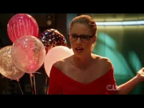 "The Flash 4x05 ""Felicity Meets Barry"" Opening Scene Season 4 Episode 5 [HD] ""Girls night Out"""
