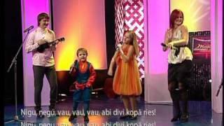 Knipas un Knauki videoklipp Abi Divi Liels Un Mazs (Live)