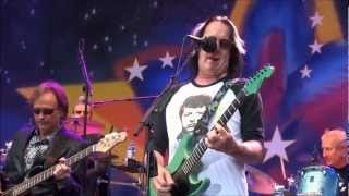 Video Todd Rundgren & Ringo Starr All Star Band - I SAW THE LIGHT and LOVE IS THE ANSWER, Portland Oregon MP3, 3GP, MP4, WEBM, AVI, FLV Desember 2018