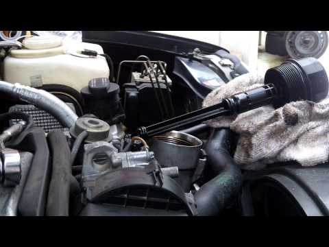 Mercedes M112 3.2 V6  oil and filter change  W208