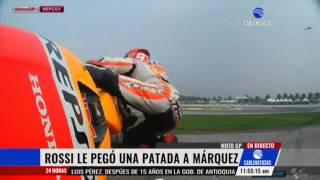 Video Valentino Rossi pateó a su rival Marc Marquez en el Moto GP MP3, 3GP, MP4, WEBM, AVI, FLV September 2018