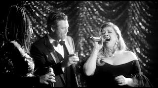 Video Kelly Clarkson & The Voice Coaches Sing 60s Inspired Songs By Frank Sinatra & Nina Simone download in MP3, 3GP, MP4, WEBM, AVI, FLV January 2017
