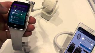 http://ndevil.com - Samsung Gear S and Galaxy Note Edge in White Color in a short Hands On at the IFA 2014 in Berlin. Daniel Magyar is giving a short overvie...
