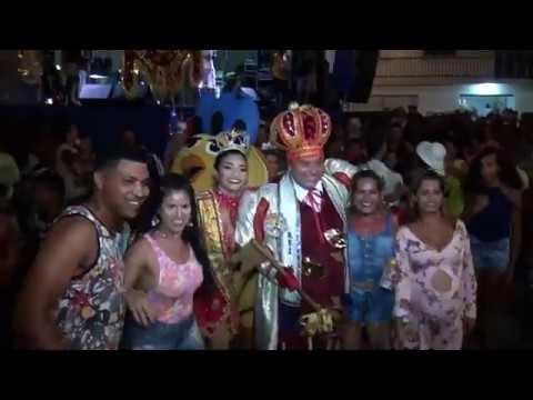Foliões da Ponta Grossa comemoram realização do Carnaval