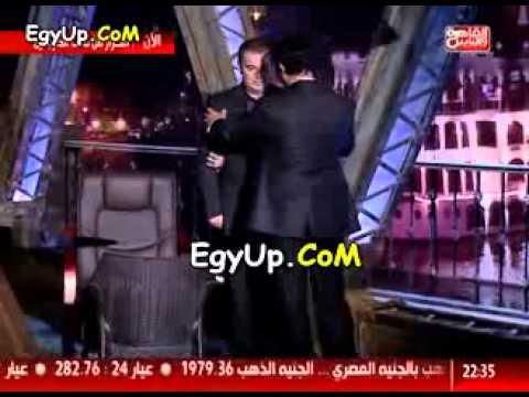 بالفيديو..  طوني خليفة  يتعرض لموقف محرج على الهواء