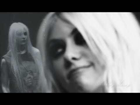 The Pretty Reckless - Under the water lyrics