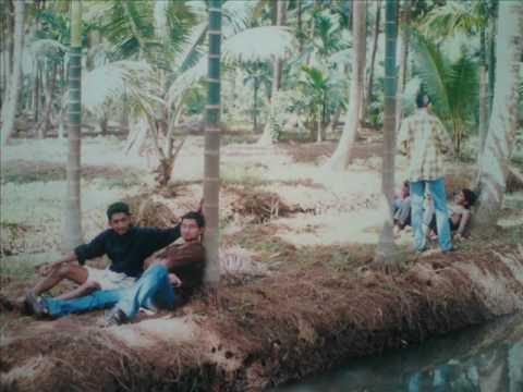 KE COLLEGE MANNANAM (2001-2004) cherishing my degree life....