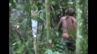 תיעוד נדיר ממעבי הג'ונגל: השריד האחרון של השבט המבודד שנכחד