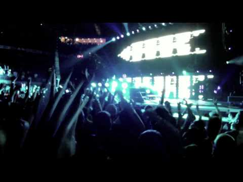 TIESTO URI Campus Invasion Tour 9/20 HD