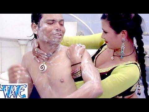 Video भोजपूरी हॉट सिन देखिये - बाथरूम में हॉट रोमांस - Bhojpuri Hot BathRoom Scene - Bhojpuri Uncut Scene download in MP3, 3GP, MP4, WEBM, AVI, FLV January 2017