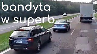 Kierowca Skody tak cisnął na Audi, że biedny kierowca wpakował się pod TiRa