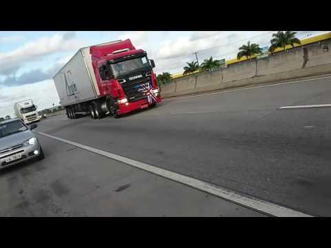 Scania Top Passando em Frente a Maratá