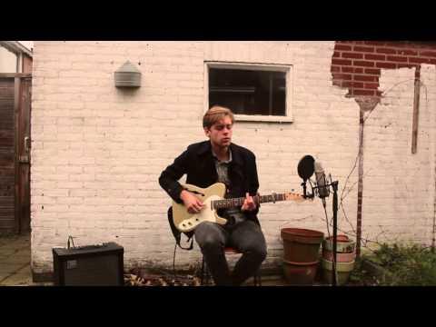 Song to Charles Darwin (live) (видео)