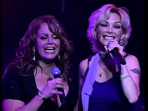 Marisela sorprende a jenny en concierto - A escondidas