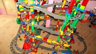 Video NEW LEGO Duplo 11 level Train Circuit - Mega Buildings! MP3, 3GP, MP4, WEBM, AVI, FLV Maret 2018