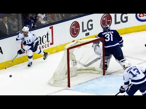 Video: Andersen's misplay helps Lightning strike first against Maple Leafs