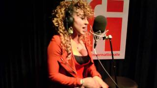 Nesly - Entre Nous (Live) - Couleurs Tropicales RFI - YouTube