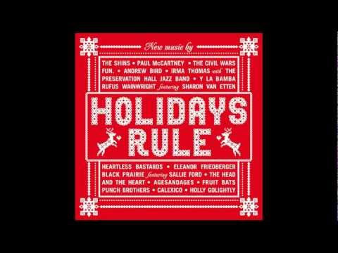Tekst piosenki Paul McCartney - The Christmas Song Chestnuts Roasting On An Open Fire po polsku