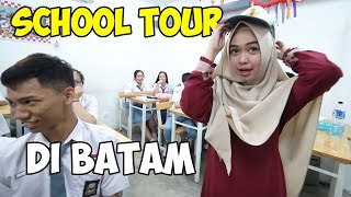 Video KELILING SEKOLAH LAMA RICIS!! Kenangan SMA😭 (part2) MP3, 3GP, MP4, WEBM, AVI, FLV April 2019