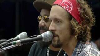 Jason Mraz - Won't You Be My Neighbor? & Frank D. Fixer (Live at Farm Aid 2011)