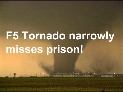 F5 - Following the tornado that struck Pampa, Texas on June 8, 1995, a second and larger tornado develops just outside town and tracks northeast toward Hoover. Ve...