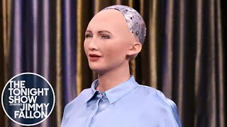 Video Tonight Showbotics: Jimmy Meets Sophia the Human-Like Robot MP3, 3GP, MP4, WEBM, AVI, FLV Juli 2018