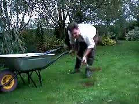 Hoggywart - Garden News correspondent Martin Fish demonstrates the best way to repair bare patches on lawns.