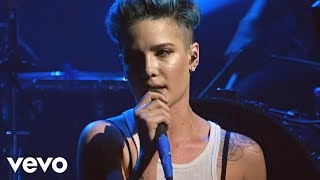 Halsey - Ghost (Vevo LIFT Live): Brought To You By McDonald's - YouTube