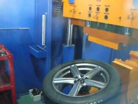 Испытание автомобильного диска WSP Italy W1254 LIMA на удар спицы (Volvo)