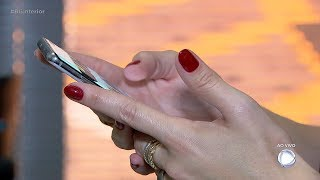 Polícia descobre como bandidos desbloqueiam celulares roubados