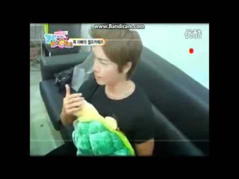[ENG] Donghae's advice to Leeteuk how to carry a baby