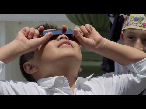 Xalapeños observaron el eclipse solar en el parque Juárez