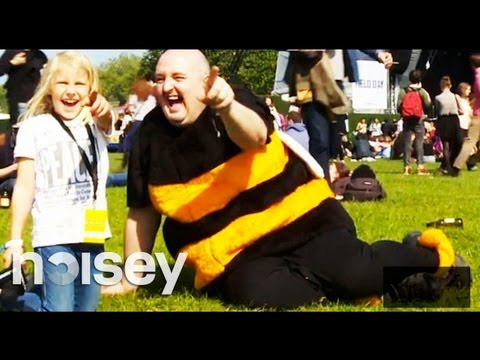 Fat Bob and Emy Go To Field Day 2012 // Noisey Special