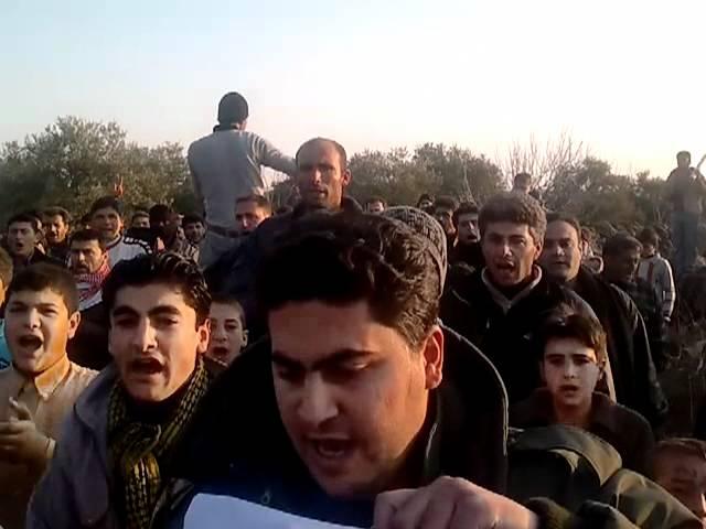 مظاهرة مسائية في كفر نبل ردا على الجامعة العربية