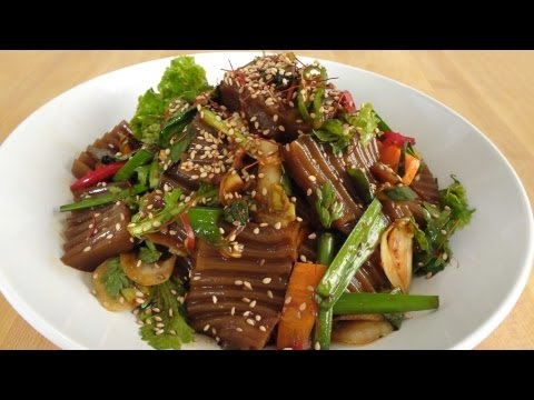 Korean Recipe: How to make a Seasoned Acorn Jelly Salad – Dotorimu – 도토리묵