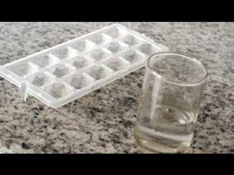 How to Make Ice Cubes in Your Freezer : How to repair your home