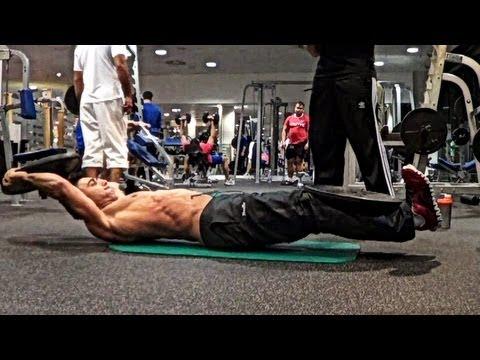 超人トレーニング!100kgの重りで腹筋トレーニング!?