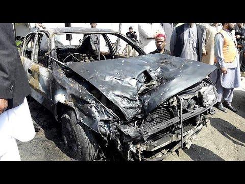 Πακιστάν: Πολύνεκρη βομβιστική επίθεση αυτοκτονίας