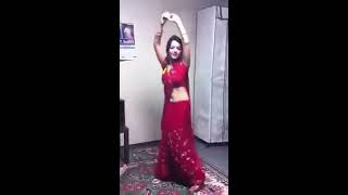 XxX Hot Indian SeX Young Aunty Dance In Saree .3gp mp4 Tamil Video