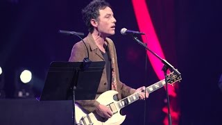 <b>Jakob Dylan</b> Performs Baby Please Dont Go